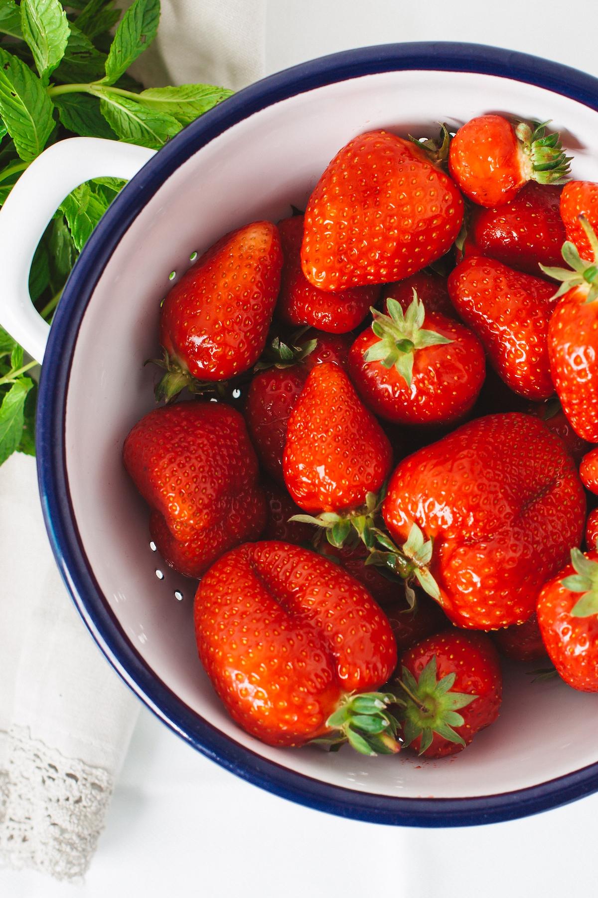 Ab aufs Feld: Es ist Erdbeerzeit!